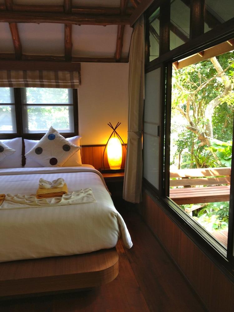 몬탈레이 비치 리조트 코 타오(Montalay Beach Resort Koh Tao) Hotel Image 2 - Guestroom