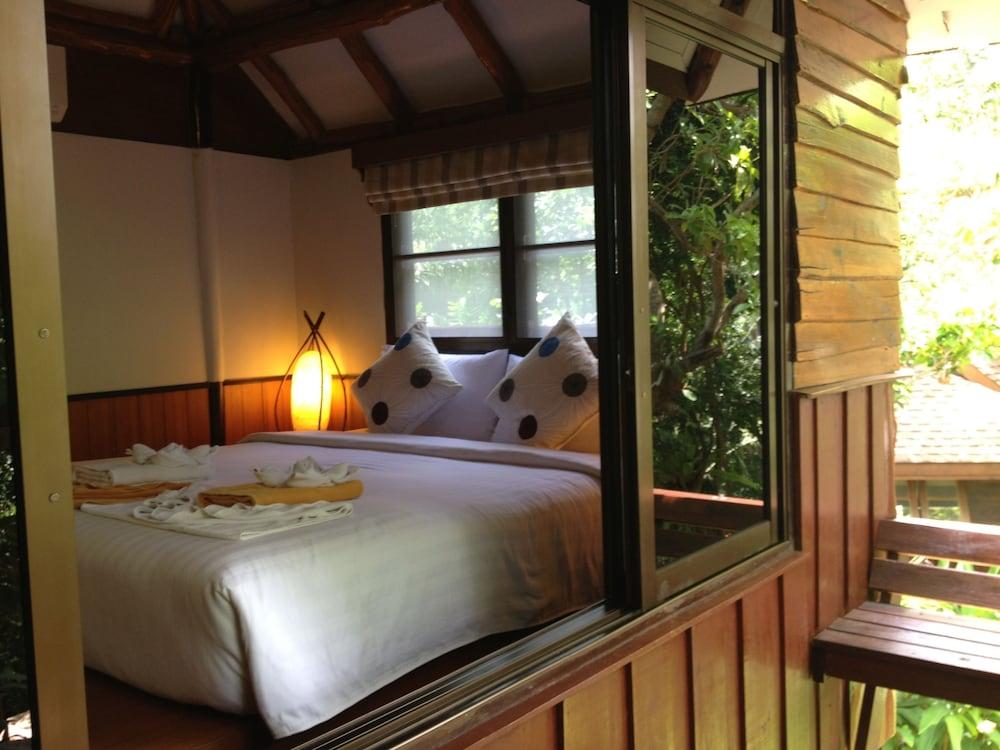 몬탈레이 비치 리조트 코 타오(Montalay Beach Resort Koh Tao) Hotel Image 26 - Guestroom