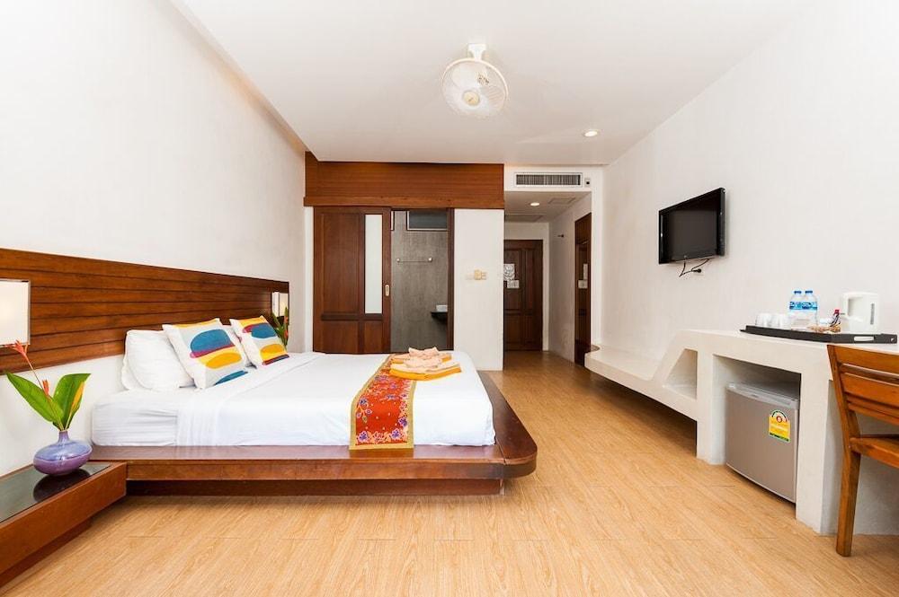 몬탈레이 비치 리조트 코 타오(Montalay Beach Resort Koh Tao) Hotel Image 16 - Guestroom