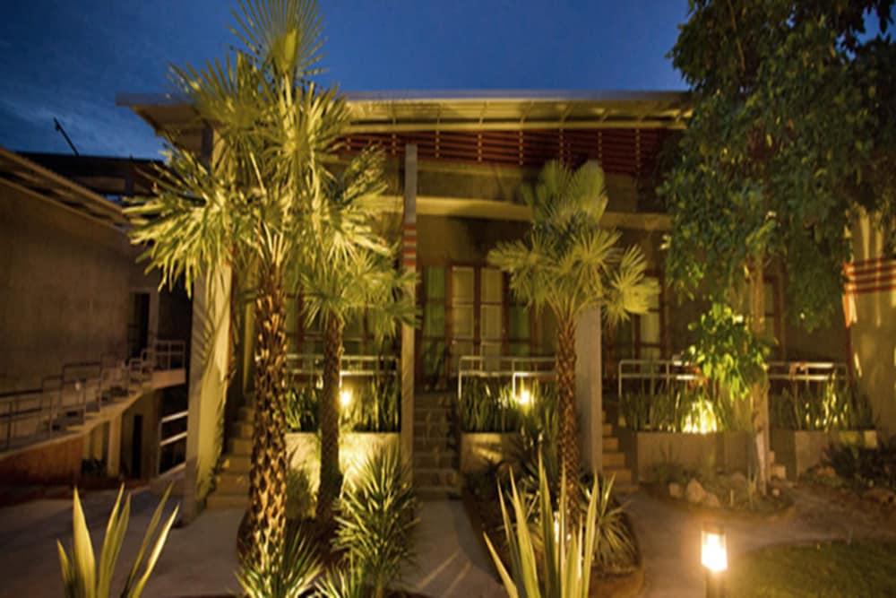 몬탈레이 비치 리조트 코 타오(Montalay Beach Resort Koh Tao) Hotel Image 0 - Lobby