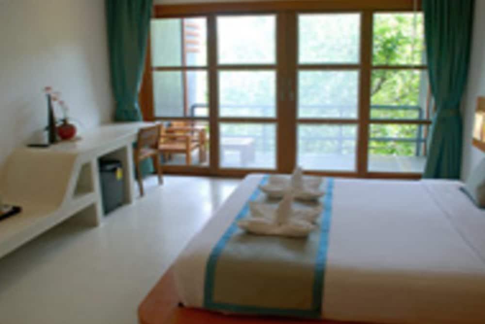몬탈레이 비치 리조트 코 타오(Montalay Beach Resort Koh Tao) Hotel Image 4 - Guestroom