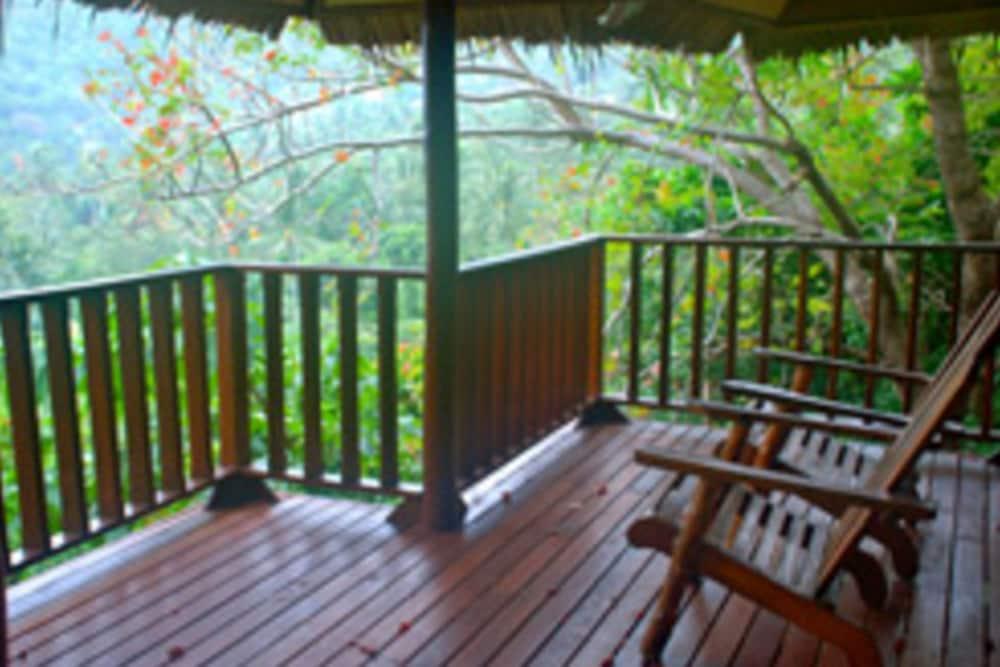 몬탈레이 비치 리조트 코 타오(Montalay Beach Resort Koh Tao) Hotel Image 46 - Terrace/Patio