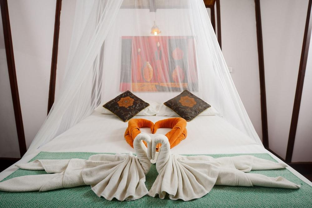 몬탈레이 비치 리조트 코 타오(Montalay Beach Resort Koh Tao) Hotel Image 8 - Guestroom