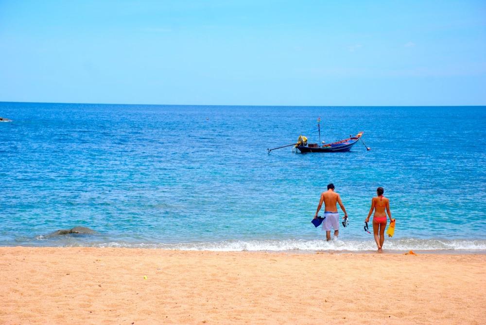 몬탈레이 비치 리조트 코 타오(Montalay Beach Resort Koh Tao) Hotel Image 44 - Beach