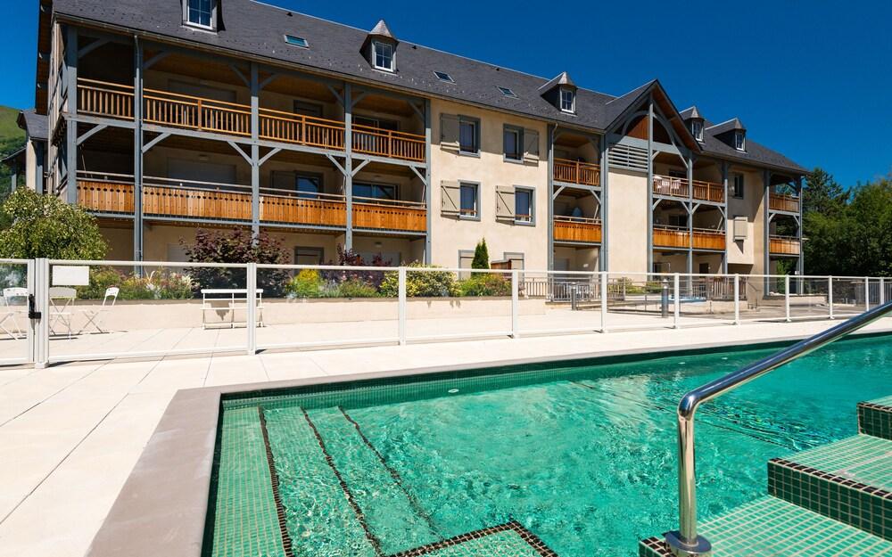 레지당스 라그랑주 바캉스 르 클로 생 일레르(Résidence Lagrange Vacances Le Clos Saint Hilaire) Hotel Image 12 - Outdoor Pool