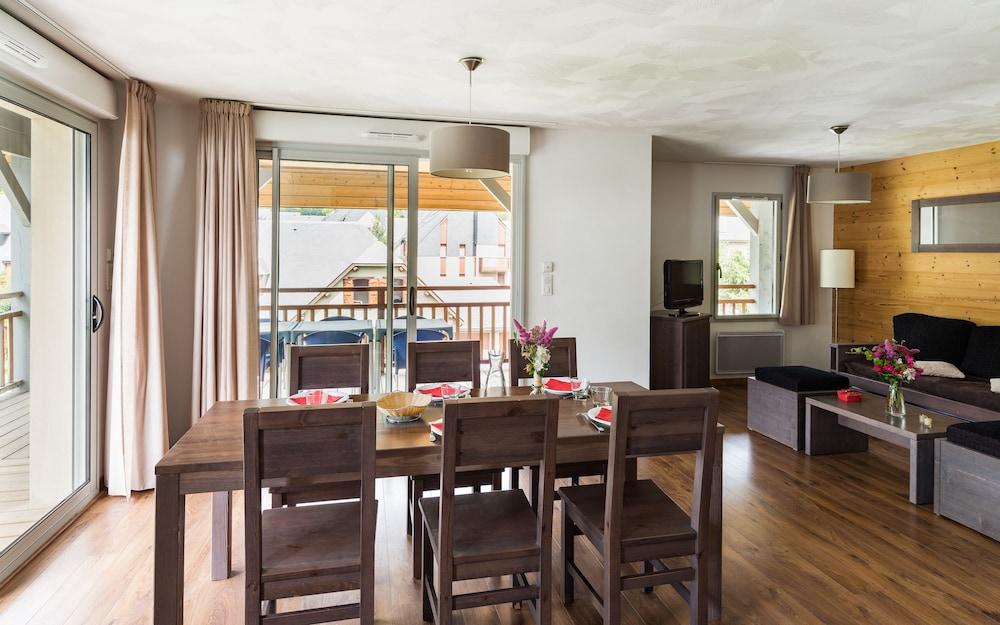 레지당스 라그랑주 바캉스 르 클로 생 일레르(Résidence Lagrange Vacances Le Clos Saint Hilaire) Hotel Image 10 - Living Room