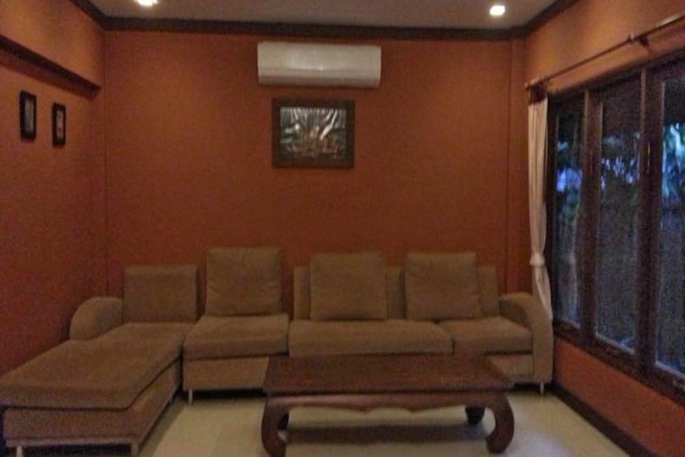 반 카오 후아 주크(Baan Kao Hua Jook) Hotel Image 14 - Living Area