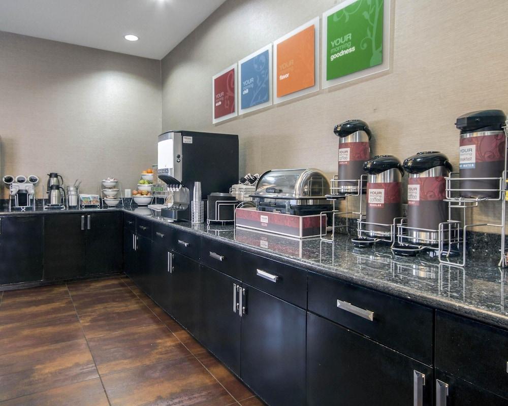 컴포트 인 & 스위트  I-10 에어포트(Comfort Inn & Suites I-10 Airport) Hotel Image 34 - Breakfast Area