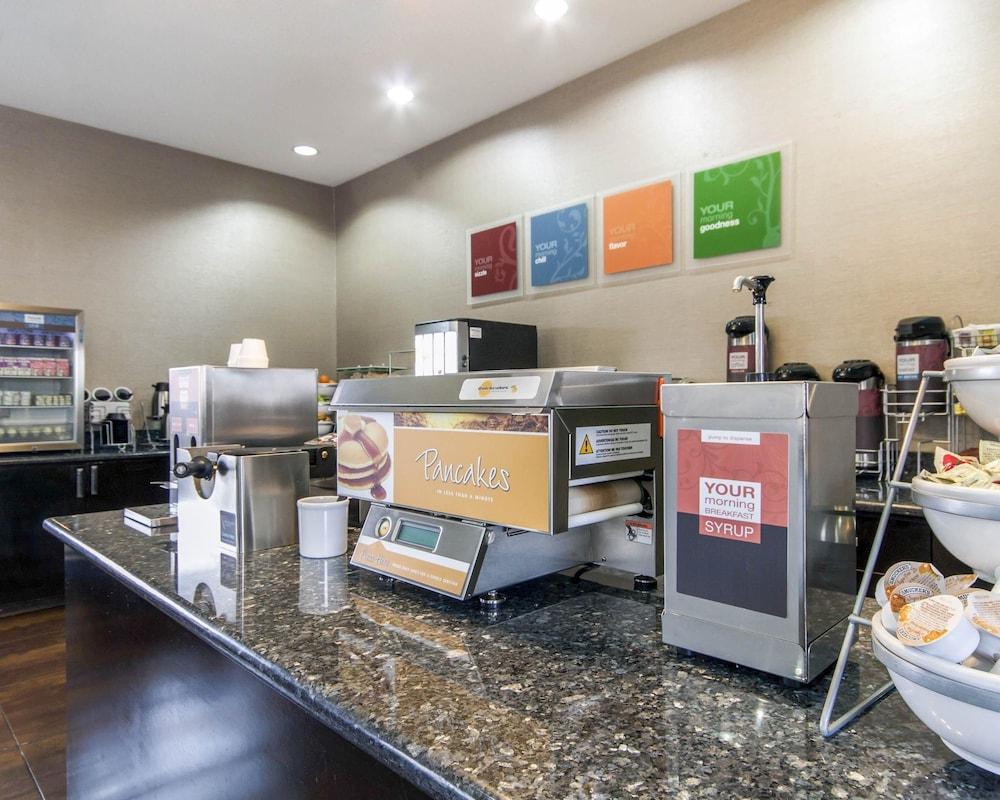 컴포트 인 & 스위트  I-10 에어포트(Comfort Inn & Suites I-10 Airport) Hotel Image 36 - Breakfast Area