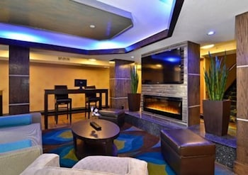 컴포트 인 & 스위트  I-10 에어포트(Comfort Inn & Suites I-10 Airport) Hotel Image 5 - Lobby Lounge