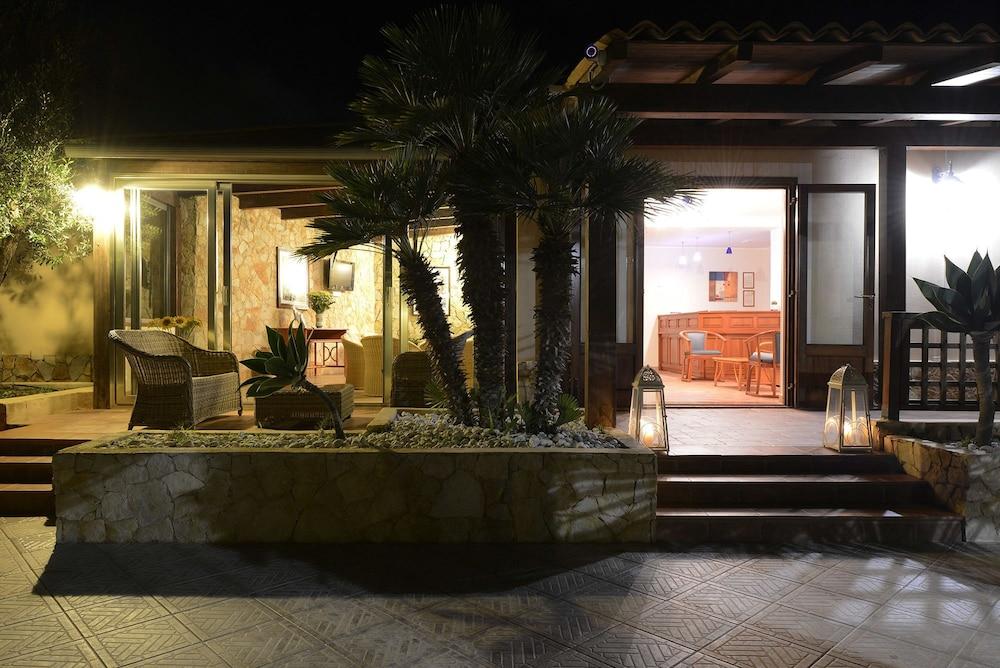 오아시스 호텔 레지던스 & 리조트(Oasis Hotel Residence & Resort) Hotel Image 10 - Reception