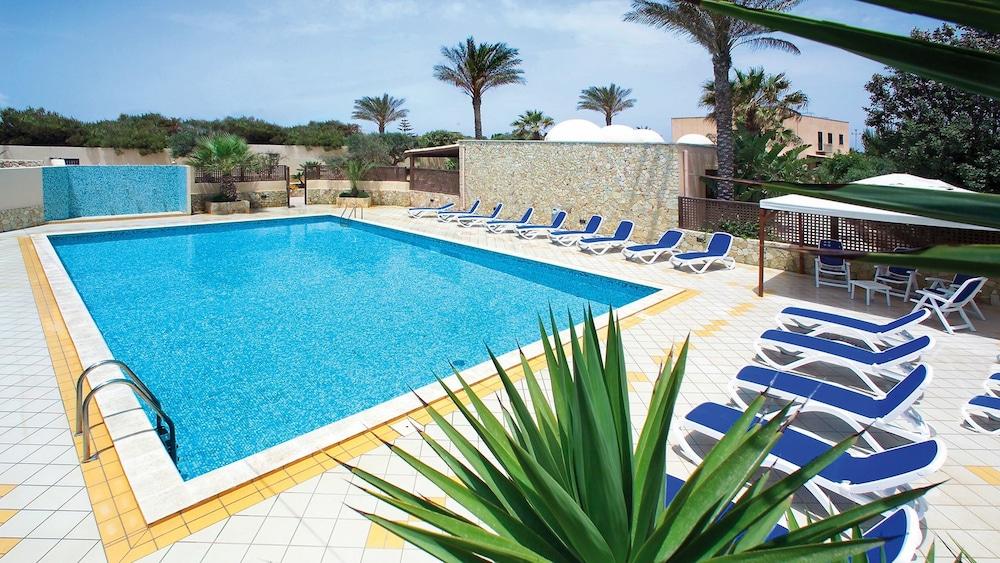 오아시스 호텔 레지던스 & 리조트(Oasis Hotel Residence & Resort) Hotel Image 0 - Featured Image