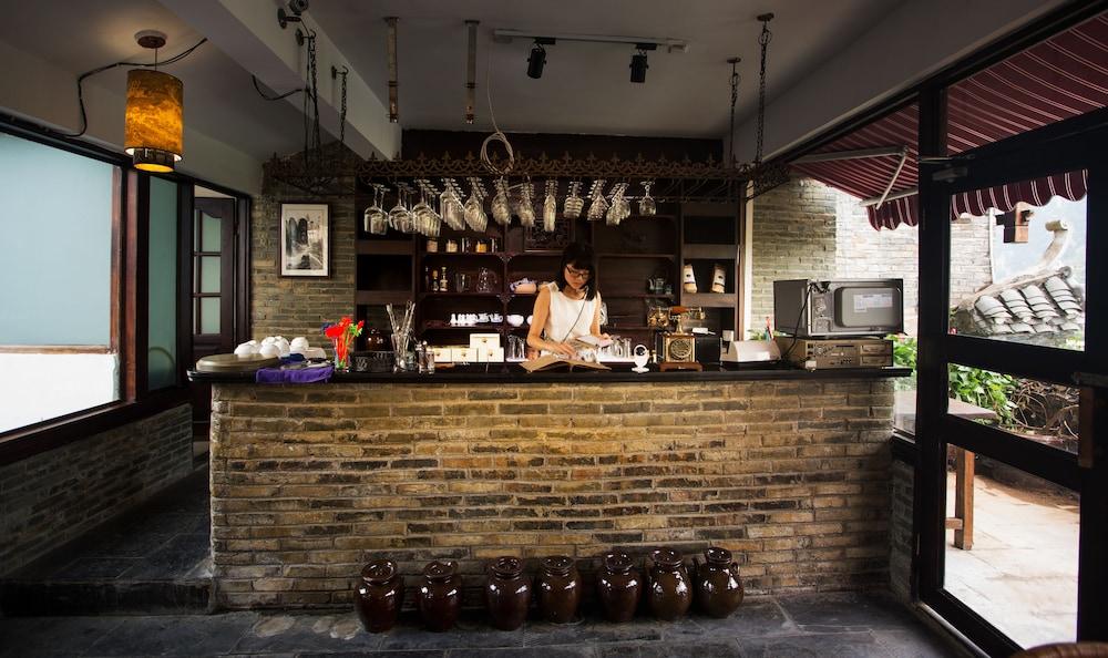 양슈오 히든 드래곤 빌라(Yangshuo Hidden Dragon Villa) Hotel Image 34 - Food and Drink
