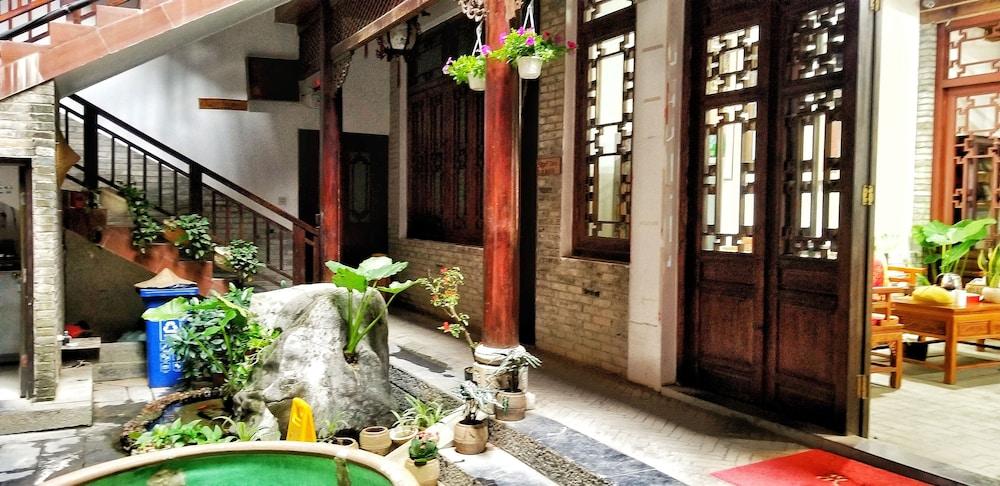 양슈오 히든 드래곤 빌라(Yangshuo Hidden Dragon Villa) Hotel Image 42 - Staircase