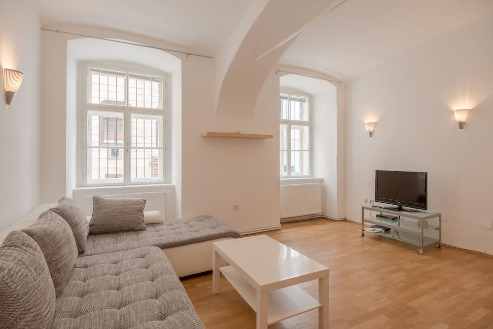 비엔나 아파트먼트 원 슈미트가쎄(Vienna Apartment One Schmidgasse) Hotel Image 9 - Living Area