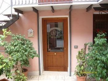 카사 바칸체 포르타 카리니(Casa Vacanze Porta Carini) Hotel Image 20 - Exterior