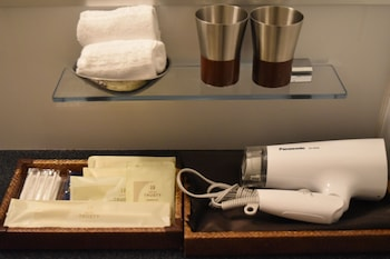 HOTEL TRUSTY KOBE KYUKYORYUCHI Bathroom Amenities