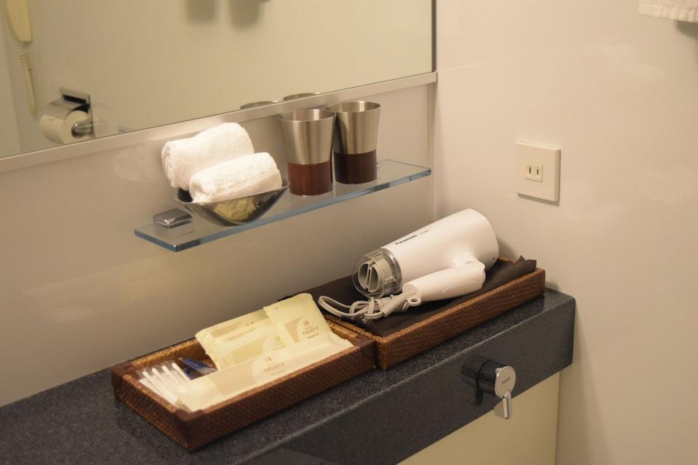 호텔 트러스티 고베 큐교류치(Hotel Trusty Kobe Kyukyoryuchi) Hotel Image 16 - Bathroom
