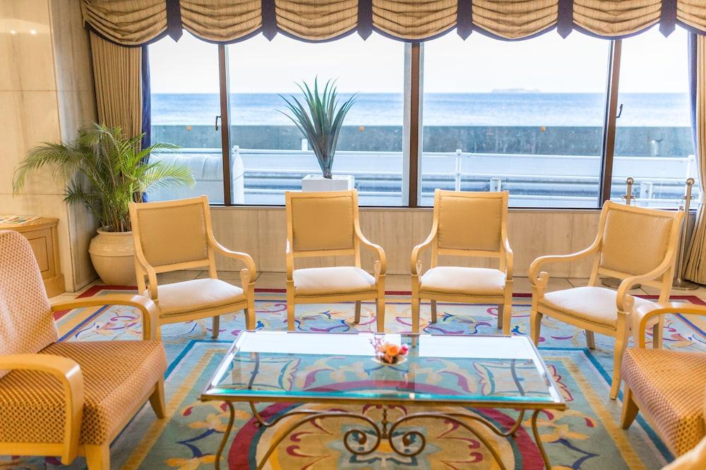 리조르피아 아타미(Resorpia Atami) Hotel Image 1 - Lobby Sitting Area