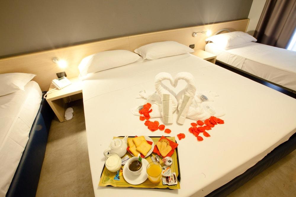 아달레지아 호텔&커피(Adalesia Hotel&Coffee) Hotel Image 19 - In-Room Coffee
