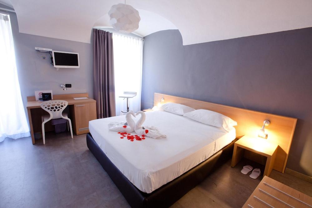 아달레지아 호텔&커피(Adalesia Hotel&Coffee) Hotel Image 10 - Guestroom