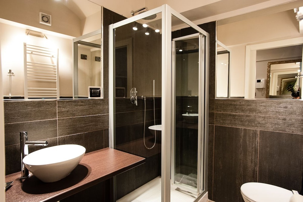 아달레지아 호텔&커피(Adalesia Hotel&Coffee) Hotel Image 13 - Bathroom