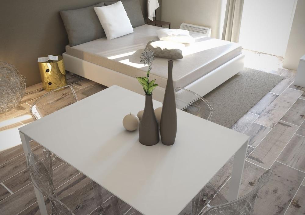 아달레지아 호텔&커피(Adalesia Hotel&Coffee) Hotel Image 6 - Guestroom