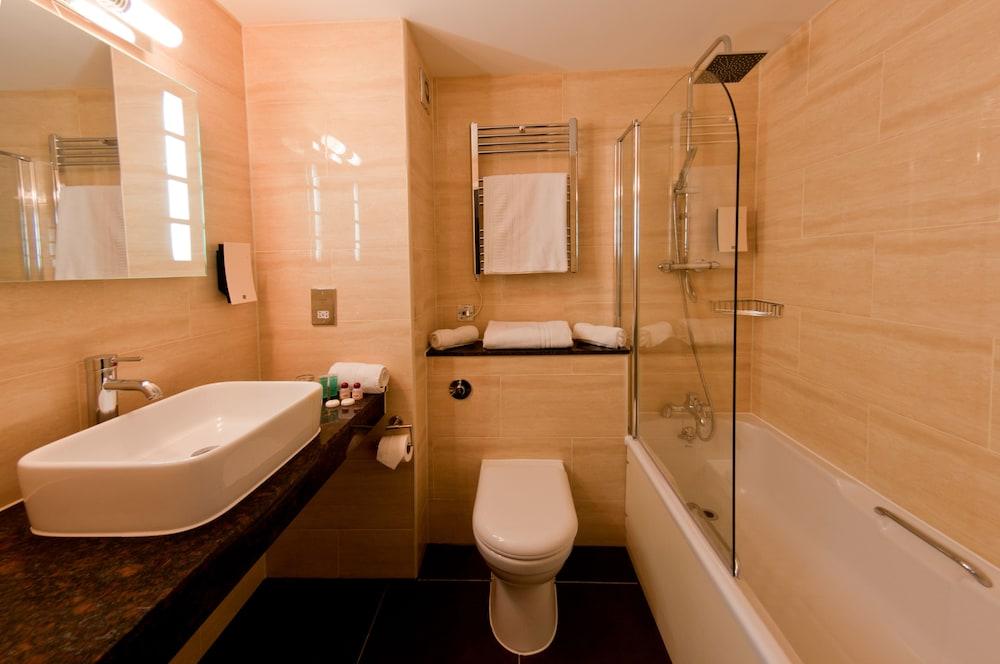 컬렉션 호텔 버밍엄(Collection Hotel Birmingham) Hotel Image 13 - Bathroom