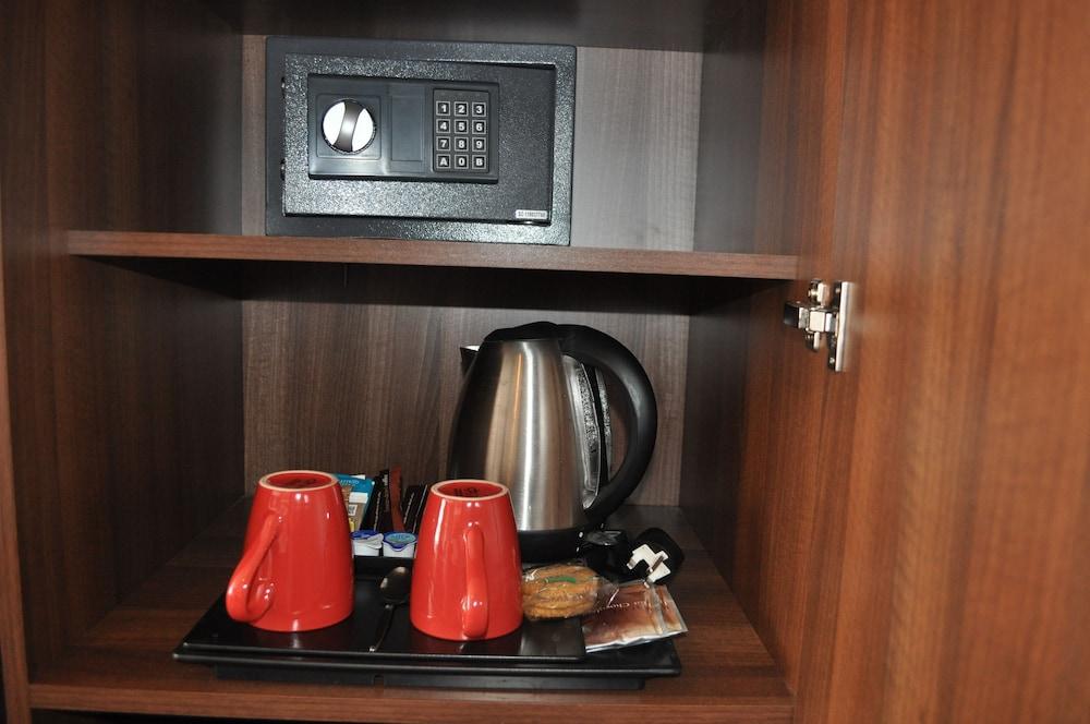 컬렉션 호텔 버밍엄(Collection Hotel Birmingham) Hotel Image 11 - In-Room Coffee