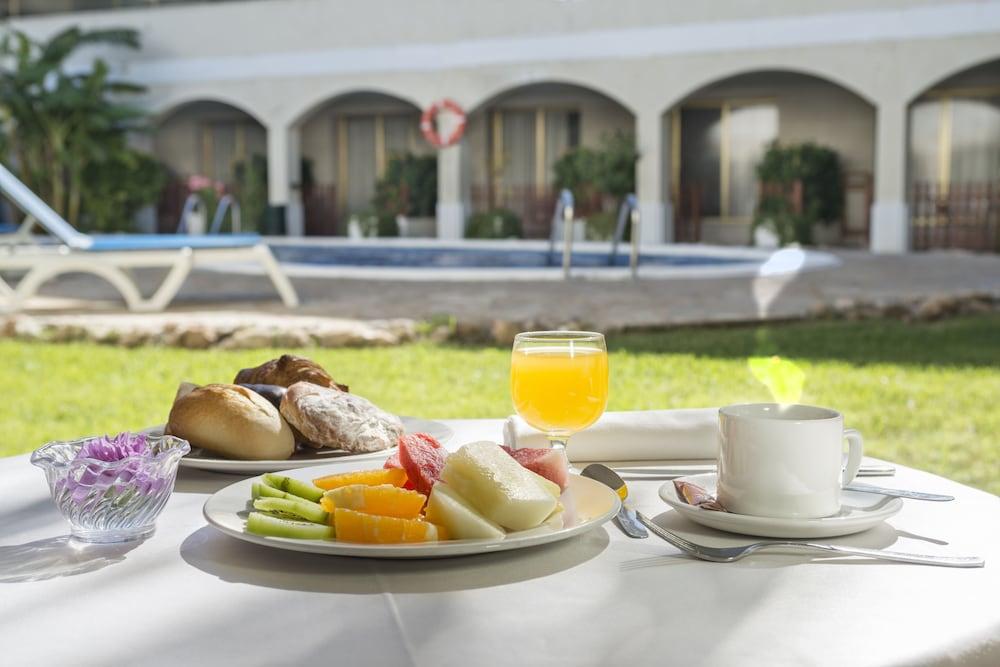4 메리디아 마르(4R Meridià Mar) Hotel Image 22 - Restaurant