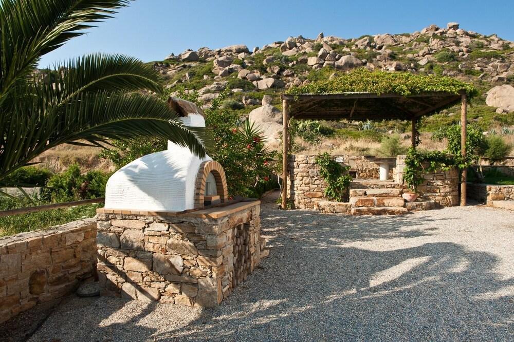 제피로스 스튜디오스(Zefyros Studios) Hotel Image 13 - Property Grounds