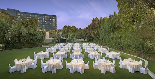 Jumeirah Creekside Hotel,