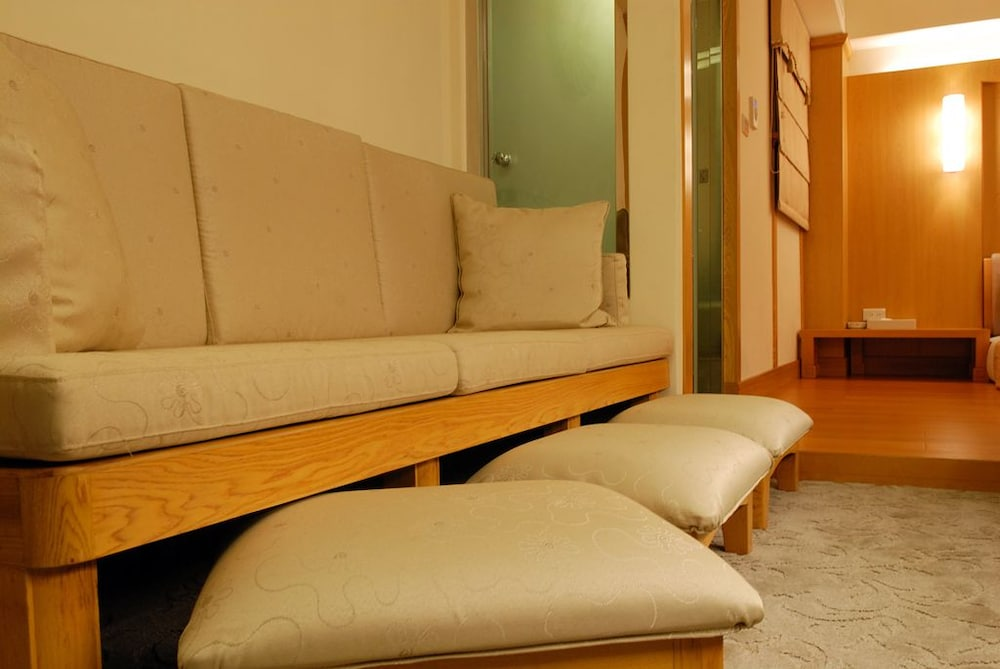 온 사이트 인(On Sight Inn) Hotel Image 20 - Living Area