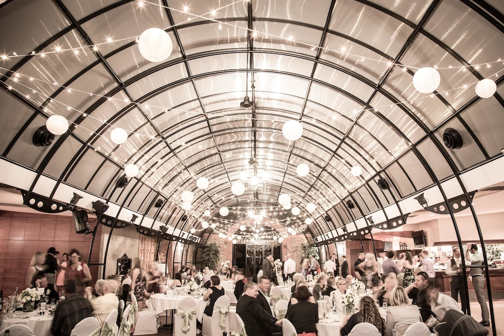 세라피노 맥라렌 베일(Serafino McLaren Vale) Hotel Image 26 - Indoor Wedding