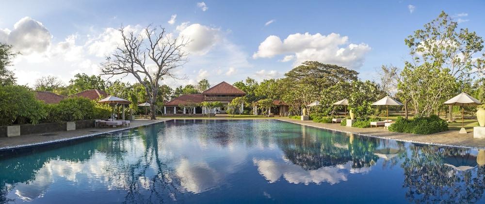 烏拉加爾拉飯店 - 烏加休閒飯店管理