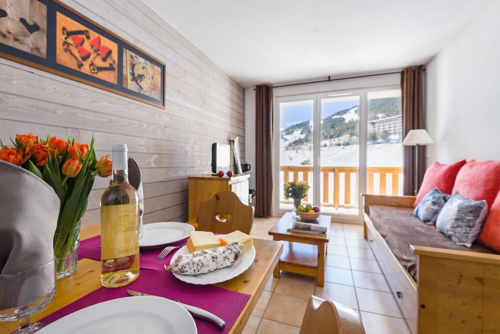 레지덩스 라그랑주 바캉스 로리 데 시메(Résidence Lagrange Vacances L'Orée Des Cimes) Hotel Image 5 - Living Area