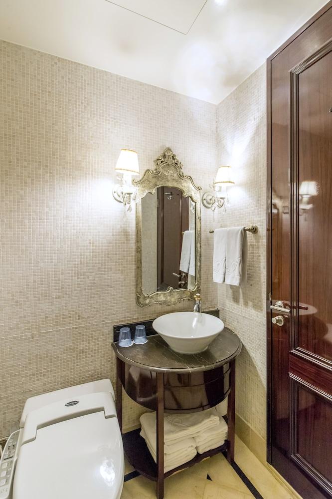 호텔 아르누보 서초(Hotel Artnouveau Seocho) Hotel Image 39 - Bathroom
