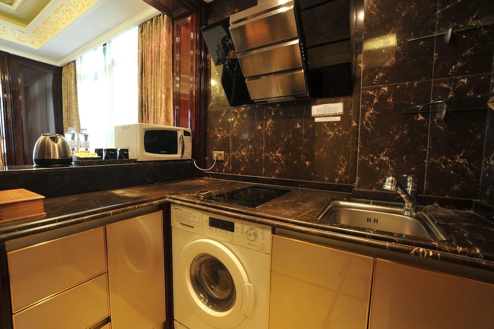호텔 아르누보 서초(Hotel Artnouveau Seocho) Hotel Image 27 - In-Room Kitchen