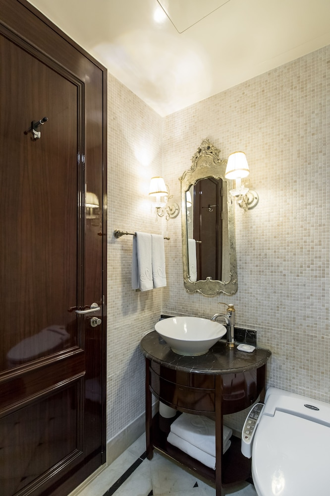 호텔 아르누보 서초(Hotel Artnouveau Seocho) Hotel Image 40 - Bathroom