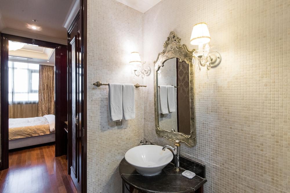 호텔 아르누보 서초(Hotel Artnouveau Seocho) Hotel Image 42 - Bathroom Sink