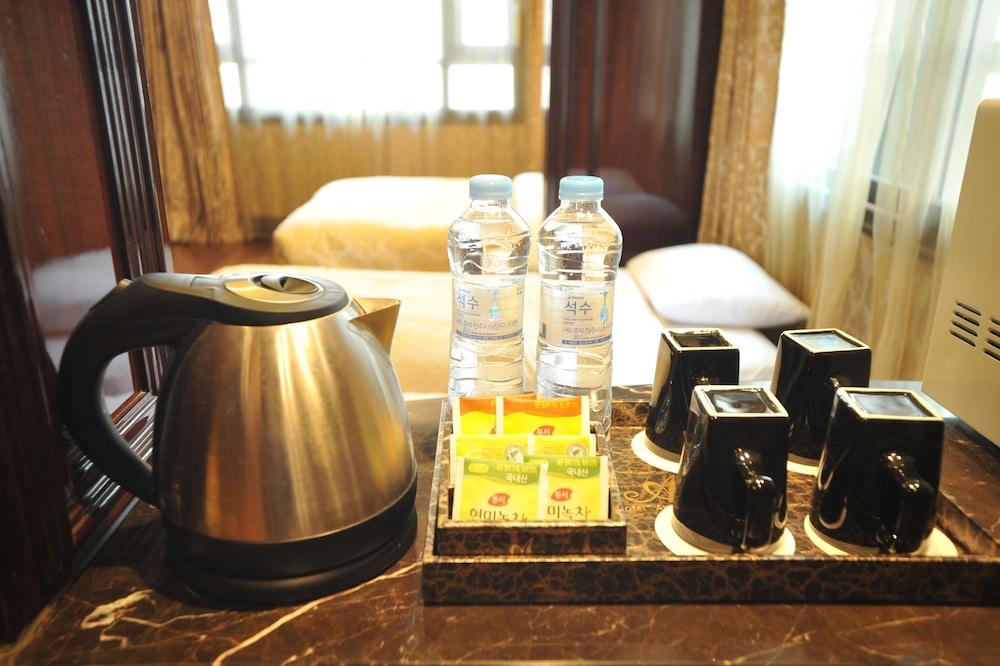 호텔 아르누보 서초(Hotel Artnouveau Seocho) Hotel Image 38 - In-Room Coffee