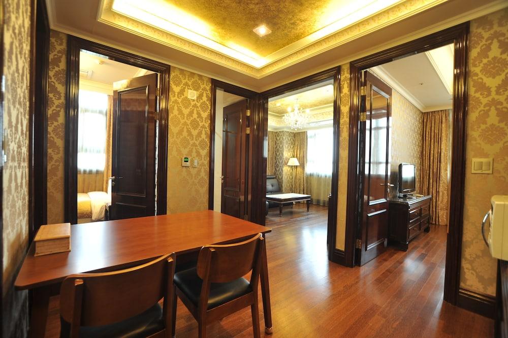 호텔 아르누보 서초(Hotel Artnouveau Seocho) Hotel Image 48 - In-Room Dining