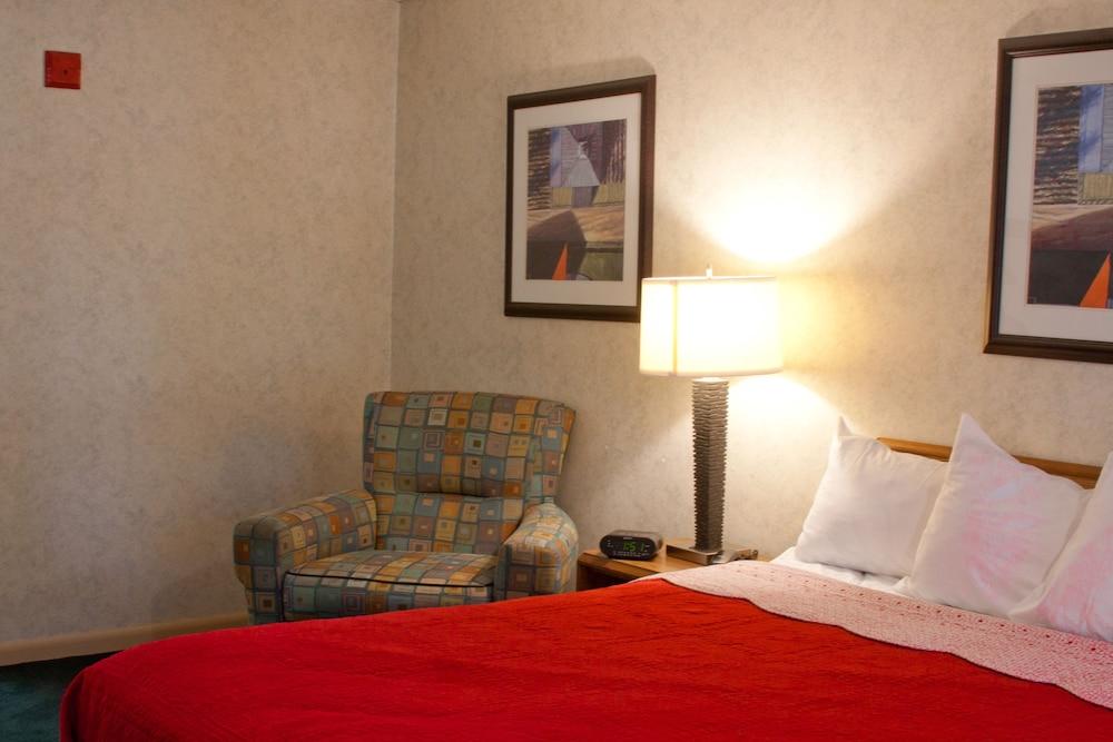 앵커리지 인(Anchorage Inn) Hotel Image 13 - Living Area