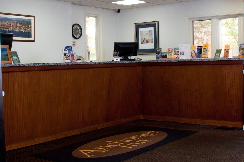 앵커리지 인(Anchorage Inn) Hotel Image 3 - Check-in/Check-out Kiosk