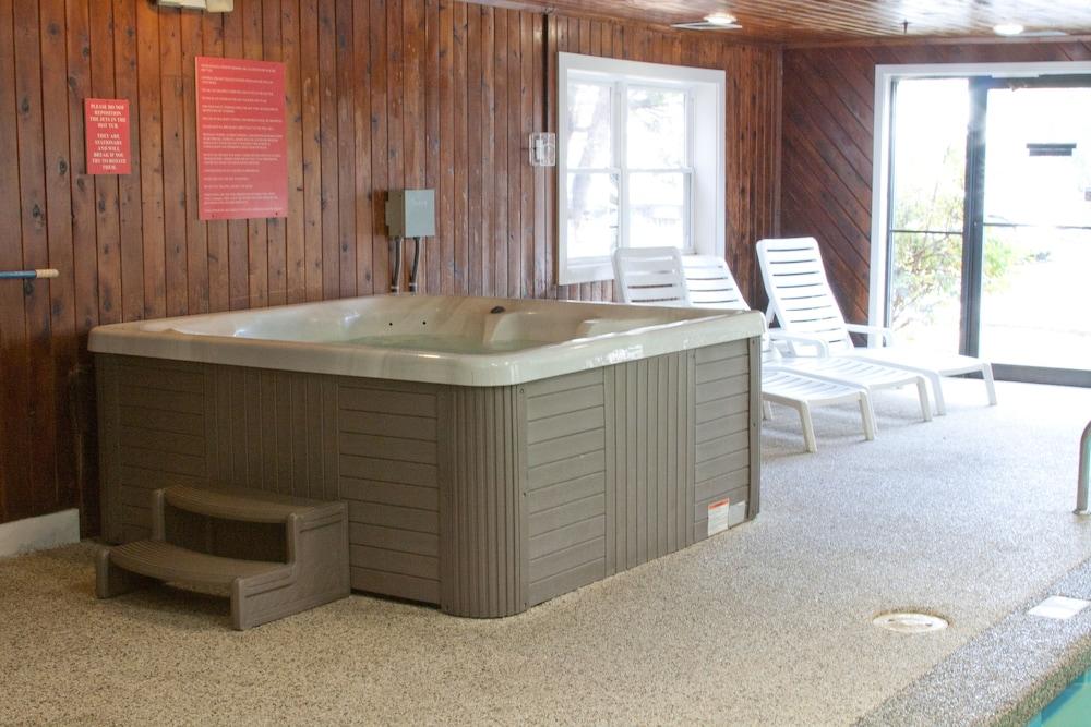 앵커리지 인(Anchorage Inn) Hotel Image 20 - Indoor Spa Tub