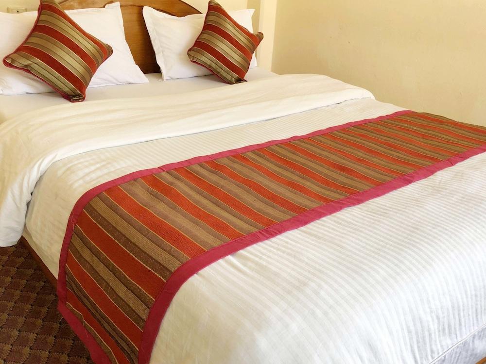 호텔 그랜드 홀리데이(Hotel Grand Holiday) Hotel Image 55 - Guestroom