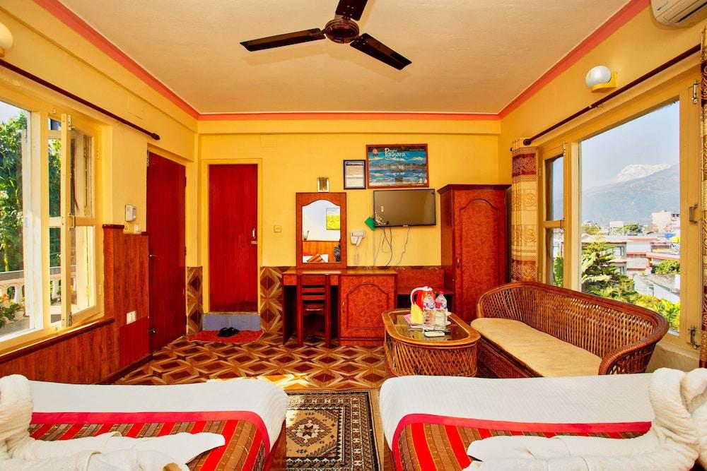 호텔 그랜드 홀리데이(Hotel Grand Holiday) Hotel Image 82 - Guestroom