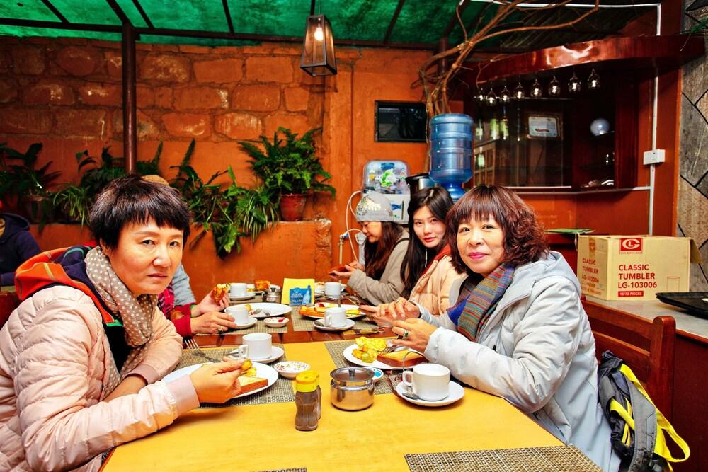호텔 그랜드 홀리데이(Hotel Grand Holiday) Hotel Image 117 - Restaurant