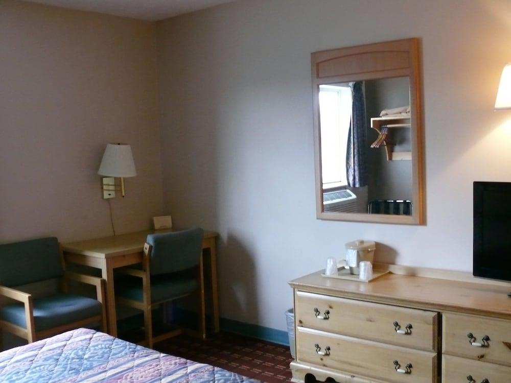 우드리지 인(The Woodridge Inn) Hotel Image 7 - Guestroom