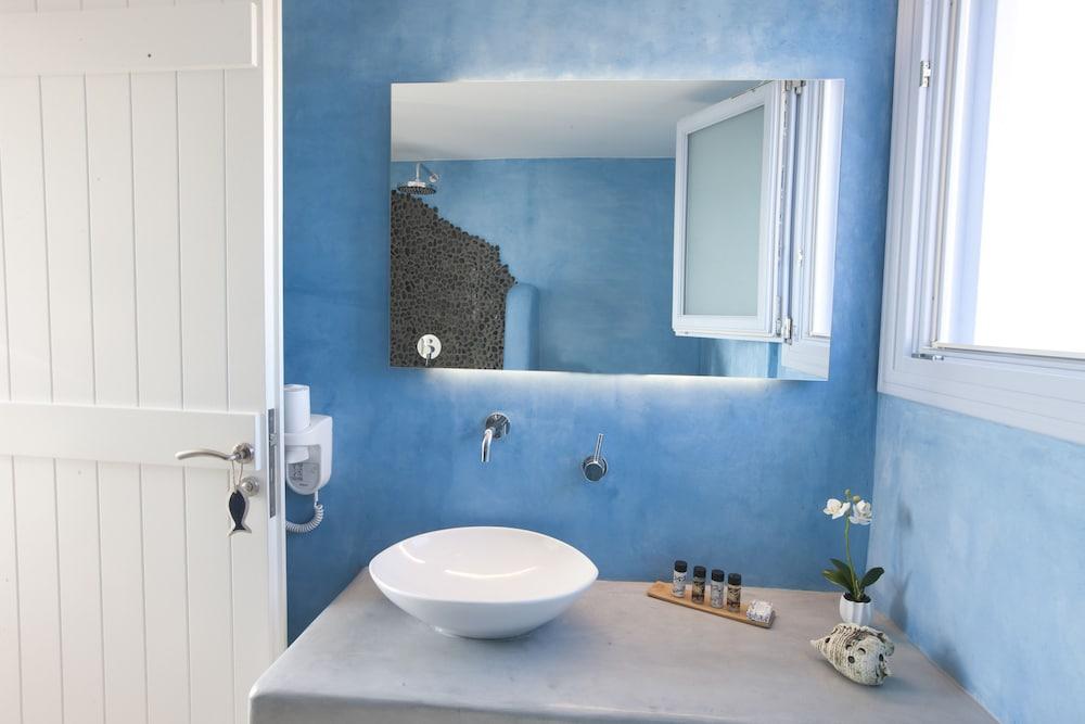 썬 아네모스 리조트(Sun Anemos Resort) Hotel Image 33 - Bathroom Sink